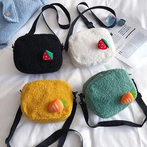 cheveux d'agneau coréenne unique épaule petit sac rond articulé croisé fraise mignon décoratif sac en peluche de gros porte-monnaie enfants