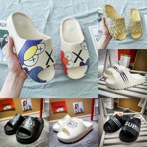 2020 nuovi pistoni di cocco in di graffiti dJytp Uomo stars stessi Sesame Street scarpe alla moda e sandali dei sandali dei pistoni