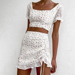 ins verão New bordado costura T-shirt floral plissado e quatro lados side T-shirt saia elástica terno de saia impresso i7UiD