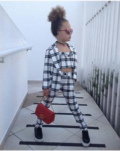 Meninas ternos xadrez meninas de três peças ternos moda infantil Abrir Ponto + Curto Tops + Pants Crianças Malha Roupa de impressão Fatos Conjuntos Moda
