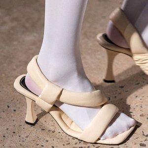 Pelle Moda Schiuma pane Thong Tacchi Toe Sandals gattino delle signore di estate Peep Toe pista della donna dei pattini della fase del partito Sandalias