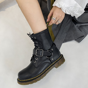Women's 1460 Martin Boots, First Layer with Falling Pattern, British Style 2020 New Belt Buckle Short Boots Waterproof Leather Gothic