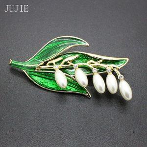Pins, Brooches JUJIE Fashion Green Enamel Leaf For Women 2021 Retro Pearl Flower Brooch Pins Men Plant Jewelry Drop