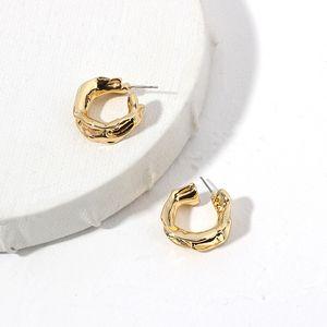 Kadınlar Vintage Takı Aksesuar Retro Hoop Chunky Altın Renk Metal C Şekli Hoop Küpeler Chunky Hoops Geometrik Küpe