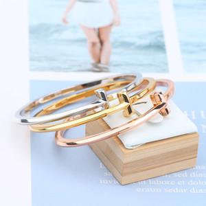 Mode geht mit dem stillen Armband dünner Auflage Lichtkörper kleines frisches weiblichen Studenten schlichtes Armband t Armreif Frauen Schmuck Goldarmband