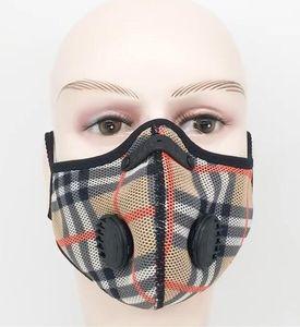 Ciclismo Máscara Malha Padrão Homens Mulheres de bicicleta máscara de poeira à prova ativado máscara de carbono PM2.5 Outdoor Cara da forma com a respiração Válvula Filtro