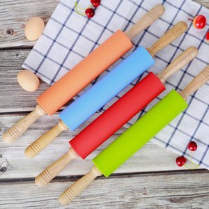 Silicone Rolling Pin with Wooden Handle Pastry Flour Cake Dough Patterned Roller Bakeware Kitchen Pastry Tool 4 Colors