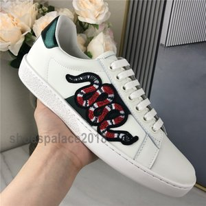 Top Quality Scarpe Homens Mulheres Sapatos casuais Moda Sneakers Lace-up Shoes verde Red Stripe Black Leather Bee Chaussures bordado