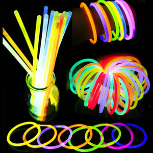 Partido Fluorescent Light Glow Sticks Pulseiras Colares Neon Glow Sticks descartável Glow Sticks Xmas Party Supplies Light Stick BH4003 TQQ