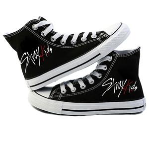 Nueva KPOP Straykids zapatos casuales zapatos de moda zapatillas de deporte callejero lona de los niños de las mujeres Jeongin Felix Bangchan Minho Changbin Vogue Y200801