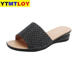 쐐기 슬리퍼 여성 여름 신발 낮은 셰일 여자 비치 슬라이드 패션 플랫 2020 럭셔리 부드러운 고무 로마에