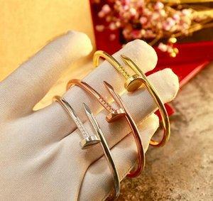 Luxo de alta qualidade Bangle Marca Designer 316L Titanium pulseira de aço Marca Nome amantes Mulheres E Homem pulseira Hot Sale