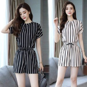 2020 nova moda de verão emagrecimento estilo coreano roupas corpo hot pants hot pants temperamento listra vertical de duas peças jumpsuit VyrWn