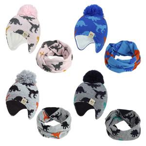 Ponpon hediye FFA4445 ile Karikatür Dinozor Örgü Bebek Şapka Eşarp Seti Kış açık Sıcak Erkekler Kızlar Beanie Polar Astar Bebek Çocuk Şapka