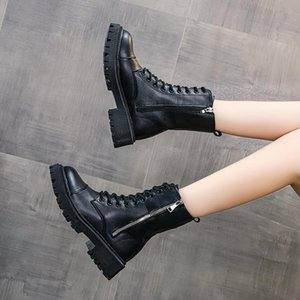The new ins platform retro black leather shoes for the chimney boot girl popular logo motorcycle boot 2020