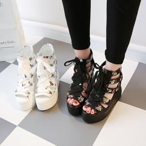 땅딸막 한 여성의 신발을 증가 2020 봄 여성 샌들 높은 굽 캐주얼 민족 꽃 꽃 오픈 발가락 웨지 플랫폼 높이