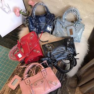 classica dell'annata nappa della catena della città Studs borsa in vera pelle top-handle spalla borse mini signora rivetta rivetti solidi borsa vintage medio moto