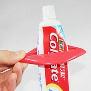 다기능 치약 스 퀴저 도매 섹시한 핫 립 키스 욕실 튜브 디스펜서 착취 홈 튜브 롤링 홀더 착취 DBC BH0709