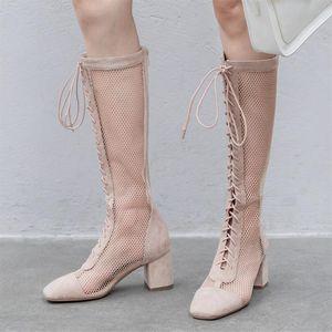 Плюс Размер 34-43 Женская мода Сандалии Street Fashion Hollow Air Mesh Square Square Med каблука партии Узелок колено высокие сапоги лето