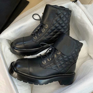 Mulheres Patentes bezerro Martin Botas Black White Plaid Tweed Lace-up Plano Ankle Boot sapatos de alta qualidade Grosso Platform Inverno Com Box