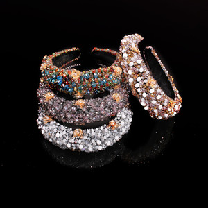 Neue Großhandelskristall-Perlen-Stoff-Stirnband luxuriöses Breitrand übertriebenes Barock-Stirnband, das speziell für Frauen entwickelt wurde