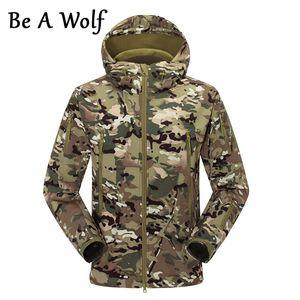 Be A Wolf Пешеходные куртки Softshell Спорт Камуфляж Охота Мужчины Зима Внутренний ватки водонепроницаемый пальто Кемпинг Лыжи Одежда F056