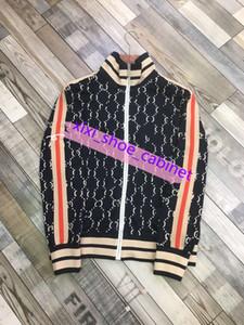 Gucci suit 2020up dos homens do desenhista roupas tamanho mulheres mulheres vestidos givency camisetas Black Red White Mens Fashion Designer camisetas Top manga curta