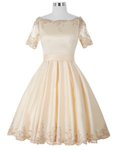 Hot Selling Short Champagne Homecoming Dresses Short Sleeve Off Shoulder Lace Satin Girls Party Gowns Lace up Back Custom Size