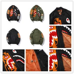 um macaco de banho bape01 Mens Stylist Jacket Men WomenStylist Hip Hop Jacket Mens verde manga comprida preta de alta qualidade tubarão Imprimir Outerwe FnFw #