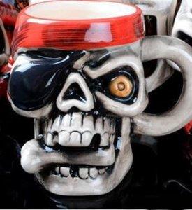 Роман Керамика Кубок Личность Pirate Skull Head Дизайн Кружок с утолщенной ручкой массажера подаркова Easy Carry 8 5hf куб.см