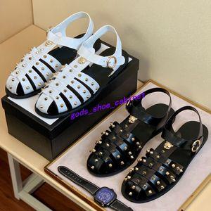 Gucci sandals 2020up Brand Design sandálias de couro homens de vaca saco liso toe verão ao ar livre Esportes Praia Rebites chinelos casuais moda Ouro G