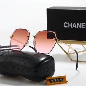 2020 الأزياء designerSunglasses رجل نظارات الرجال النظارات الشمسية الإطار إمرأة نظارات شمس زجاج ردور كاملة ريم عدسة مكبرة