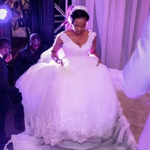 White Lace Luxurious Cathedral Royal Train Ball Gown Wedding Dresses V Neck Sleeveless Vintage Bridal Dresses Vestido De Novia Casamento