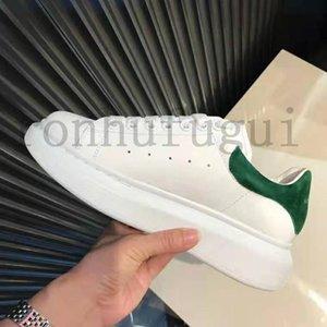 chaussure concuadro de AlexanderMcQueens zapatos casuales los hombres reflexivos colores sólidos mujeres planas de las zapatillas de deporte de tren plataforma del partido terciopelo nxnA #