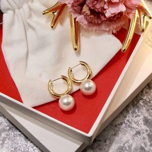 Hot selling explosion models simple and delicate pearl fashion designer earrings luxury designer jewelry women earrings