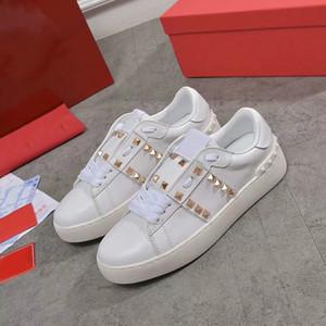 2020 Rockstud Adsız Açık Sneakers Erkek Kadın Dana derisi Deri Ayakkabı Platin-finiş Studs Eğitmenler Moda Dantel-up Günlük Ayakkabılar Büyük BOYUTU
