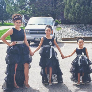 Little Black Tiered Organza High Low Mother And Daughter Party Dresses With Sash Zipper Back Flower Girls Dresses For Weddings Z94