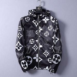 Roupas masculinas com capuz Windbreaker Zipper agasalho Brasão Mens Casacos de outono fino casaco do estilista Jaquetas Homens Mulheres Designer Jacket Brasão