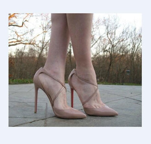 Com Box Sexy casamento sapatos de noiva Mulher Strap Buckle Rivet Sandálias de salto alto saltos pontudos cruzadas Bombas Moda sapatos único salto alto