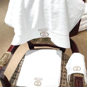 Lettre Rétro broderie unisexe Serviettes 3 Tailles Durabale Hommes Femmes Serviette de bain Voyager amant portable bain Ensembles de serviettes