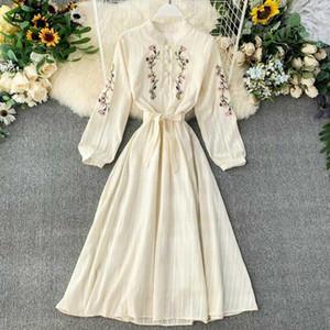 FTLZZ Frauen kleiden böhmische Stickerei Blumen Cheongsam Kleider Frühling und Herbst dünne beige Kleid Vestidos