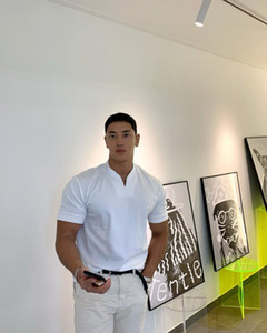 Atacado em branco Summer manga curta Marca Preto Branco Cinza Azul marinho personalizado em massa dos homens T-shirt V-Pescoço