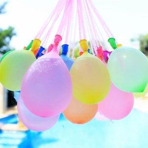 Equipé de ballons, injection d'eau rapide, le water-polo, les enfants de décompression, l'été Songkran, boule de billard, bataille d'eau