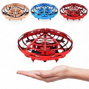 Mano aviones no tripulados operados para niños o adultos en helicóptero Scoot bola de vuelo regalos mini drone especiales RT62 #