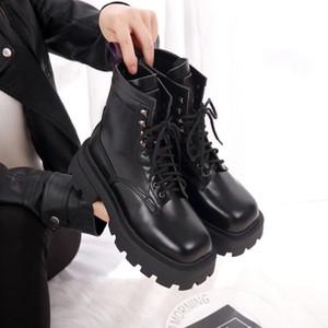 Frauen Stiefel klassische europäische Art ladies'shoes Martin Stiefel Motorrad Stiefeletten hohe qualityreal Lederschuhe Rubber Frauen Schuhe