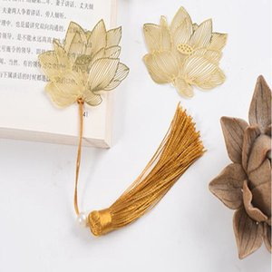Golden lotus hollow bookmark Chinese style business commemorative decoration gift