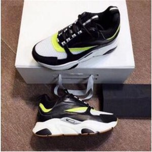 Chaussures New Designer Casual Homme Entraîneur Sneaker de qualité supérieure Hommes Noir Blanc Mode papa de sport Chaussures de course Siz a11