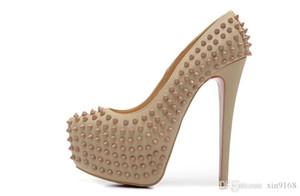 Neue Größe 36-41 heiße Frauen 16cm High Heels aus schwarzem Lackleder mit Spikes Red Bottom Pumpen, Hochzeitskleid Schuhe