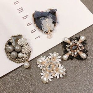 Brand Design Cristal 5 Broche fleur de camélia Broches de broches Boucle Vintage Pin Pour Femme