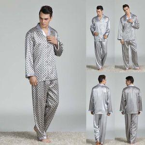 Conjuntos elegante bar Primavera Verano Otoño Hombres satén de seda de los pijamas de la camiseta Pantalones cortos masculino Pijama Ropa de dormir Ocio Casa Ropa